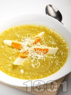 Крем супа от праз, целина с варени яйца и сирене - снимка на рецептата